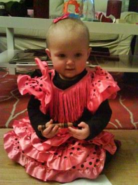 Linnea var en liten spansk danserinne på sitt første karneval - 1 år gammel.
